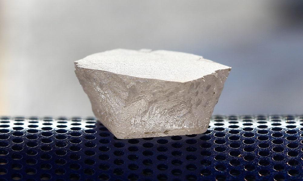 lab grown diamond before cutting to mogul cut